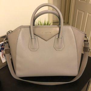 Authentic Givenchy Antigona medium bag